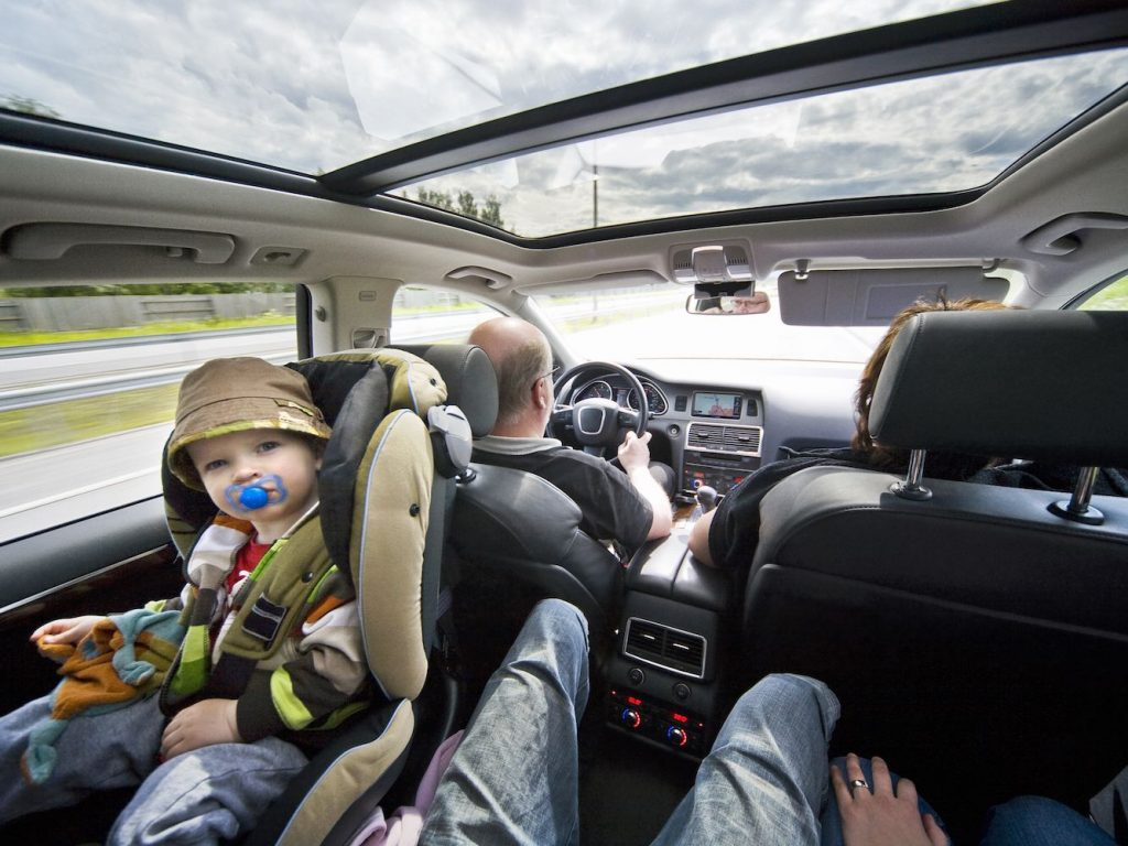 5 Screen-Free Activities to Keep Your Littles Busy on a Road Trip